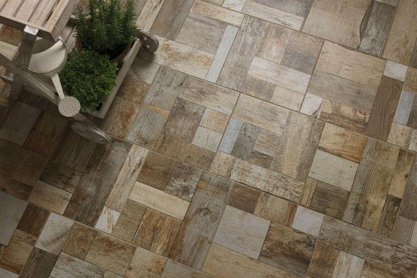 Pavimenti in gres effetto listelli di legno asimmetrici