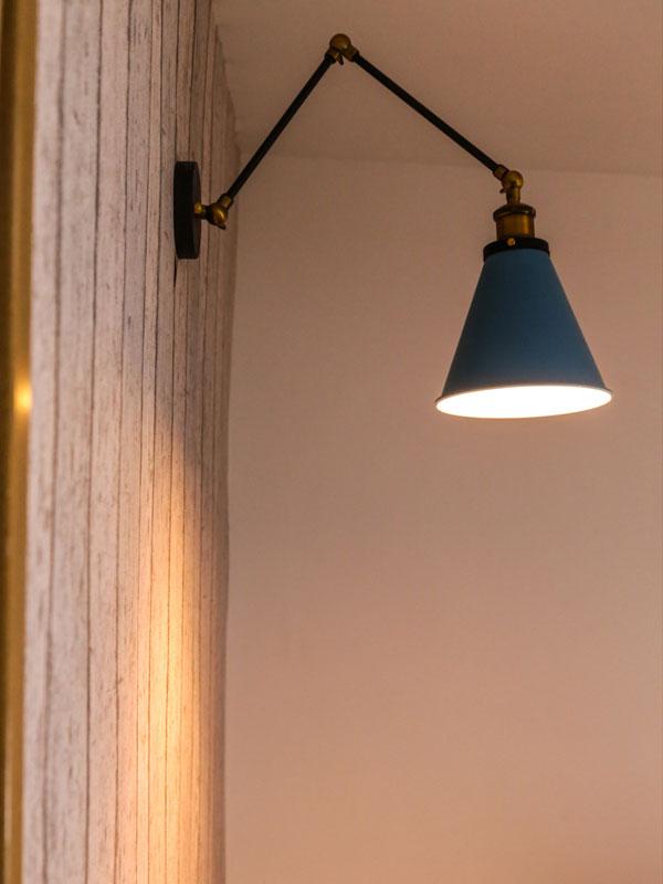Rivestimento effetto legno applique a muro industrial style