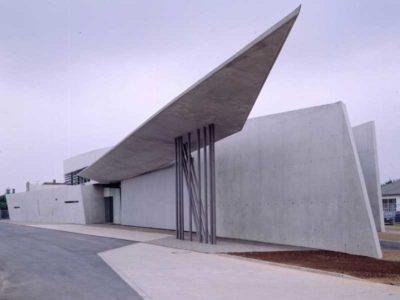Vista dall'esterno della Vitra Fire Station progettata da Zaha Hadid