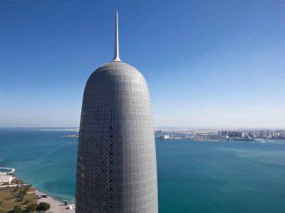 Vista dell'alto della torre di Doha progettata da Jean Nouvel