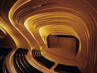 Vista interna dello splendido auditorium del Centro culturale Heydar Aliyev