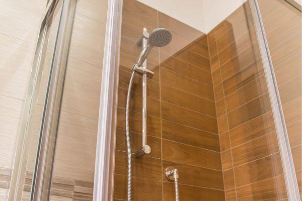 Ristrutturazione-bagno-Via-cimarosa-doccia-completa-1
