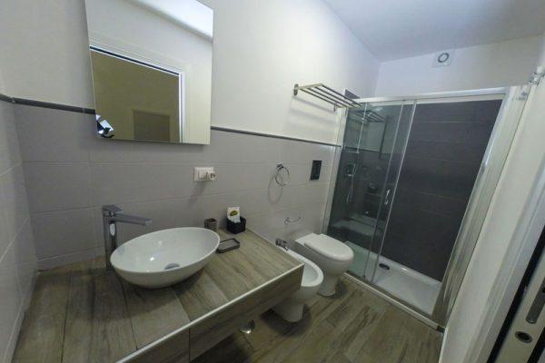 Via-Duomo-Casa-vacanza-bagno-1