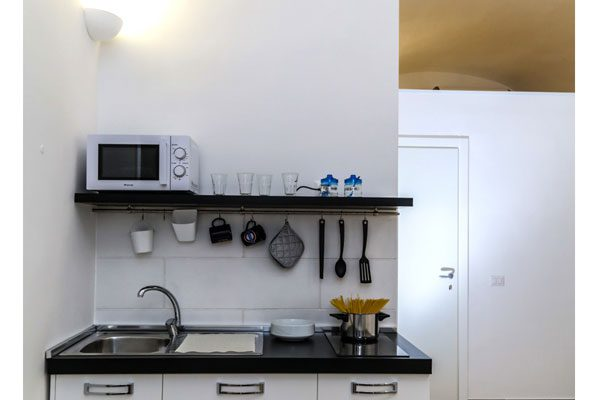 Via-Duomo-Casa-vacanza-cucina-2
