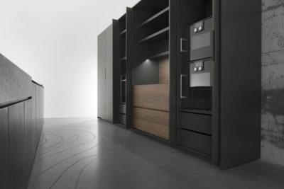 Cucina minimal dal colore nero della collezione M2 di Minimal Cucine