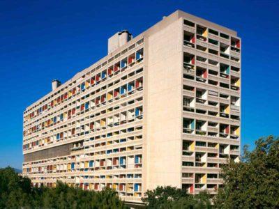 Vista esterna dell'Unité d'Habitation di Marsiglia progettata da Le Corbusier