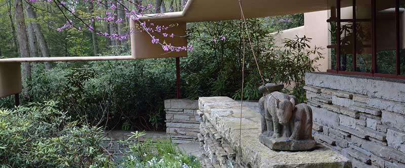 Vista di dettaglio della fallingwater house di Lloyd Wright