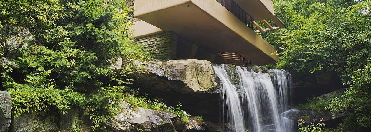 Fallingwater: la Casa sulla Cascata di Frank Lloyd Wright