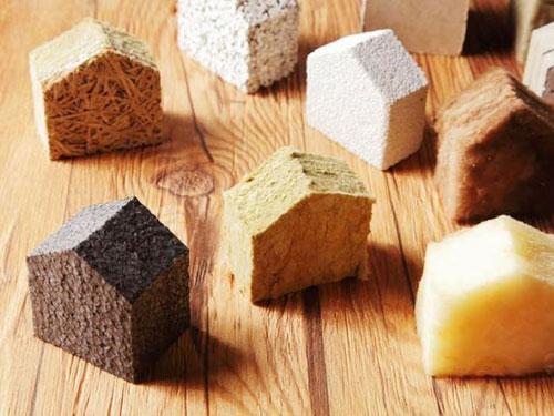 Foto di vari tipi di materiali isolanti esposti