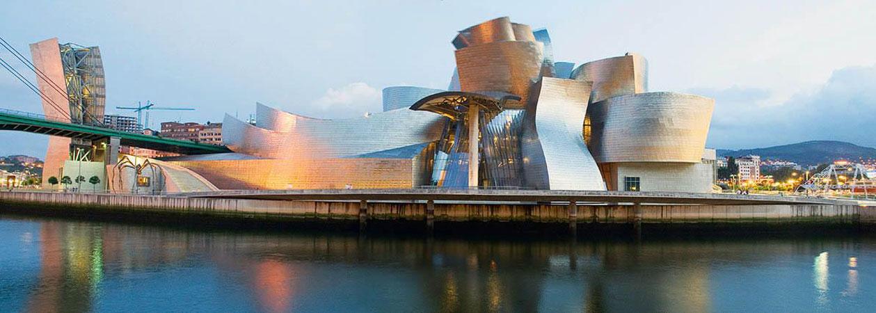 Il Guggenheim Museum di Bilbao: il capolavoro decostruttivista di Frank Owen Gehry
