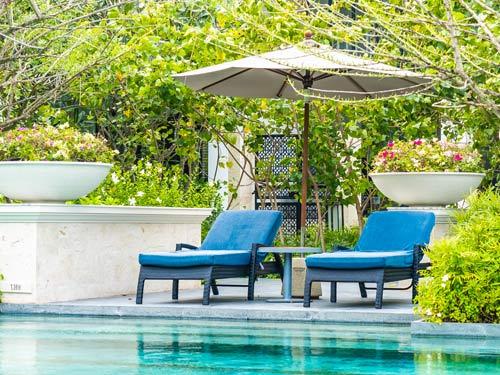 Piscina privata costruita in giardino