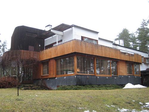 Vista dell'esterno di Villa Mairea di Alvar Aalto