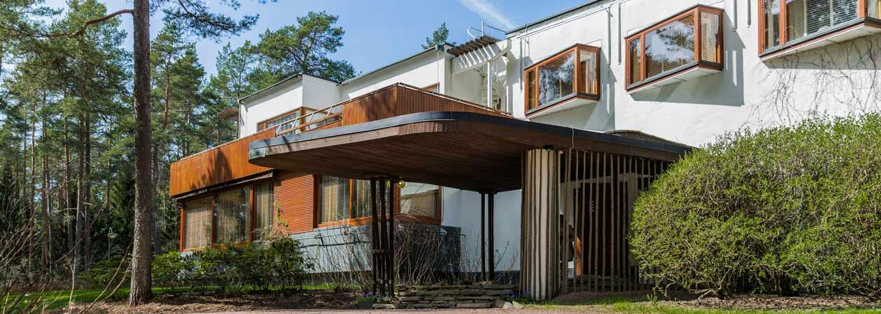 Villa Mairea di Alvar Aalto: l'abbraccio polimaterico tra uomo e natura