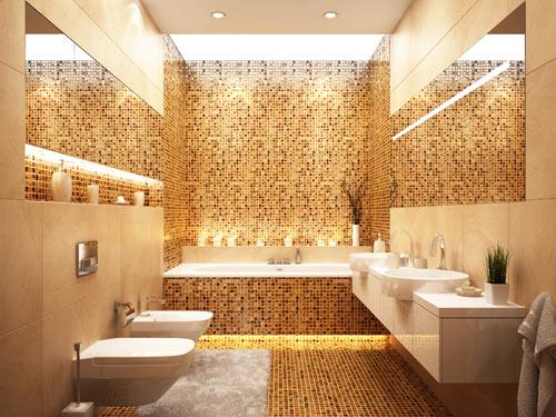 Bagno moderno rivestito con mosaici dorati