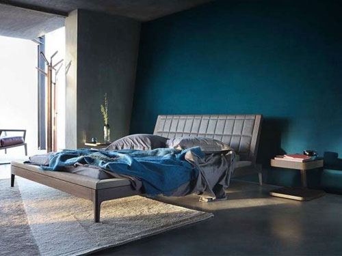 Camera da letto arredata in stile minimal