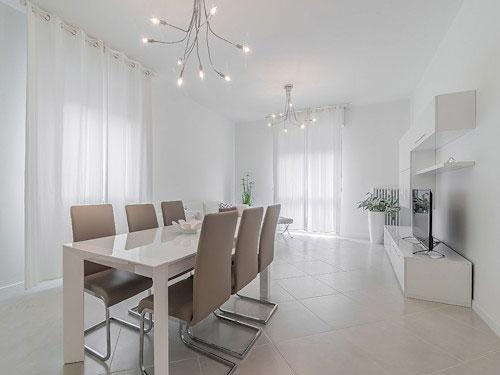 Sala da pranzo in stile minimal chic